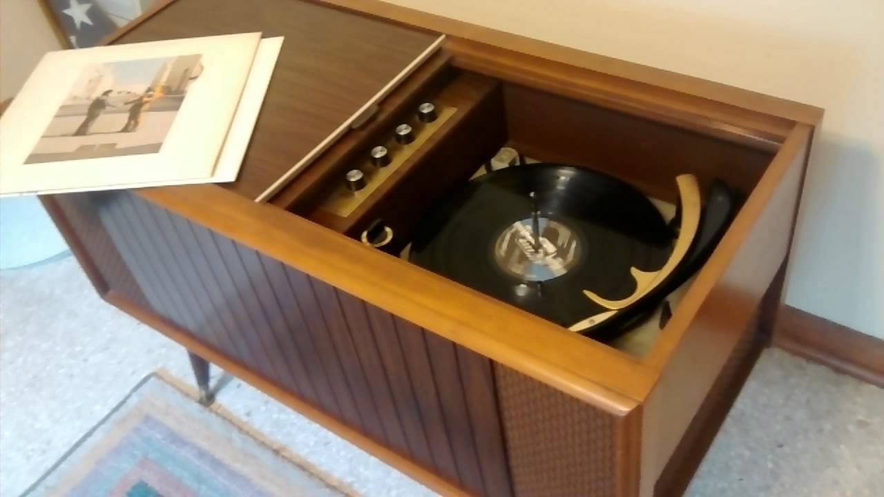 1960's Magnavox console turntable