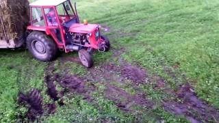 IMT 558 izvlacenje bala - IMT 558 pulling bales
