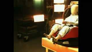 Краш-тест | ребенок снял ремни безопасности(http://www.avtodeti.ru/anti_escape_sy... Посмотрите видео краш-теста. Испытание было проведено в соответствии с европейским..., 2012-12-13T13:52:40.000Z)