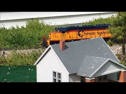 G Scale Trains with a 89ft TOFC and the new AML Southern Hoppers on 4 21 18