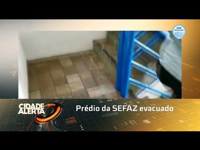 Prédio da SEFAZ evacuado após problema na caixa d'água alagar todos os andares