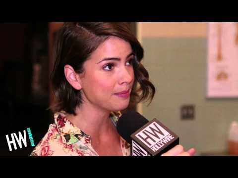 Teen Wolf's Shelley Hennig Reveals Nerdiest Obsession & Embarrassing Moments!  Hollywire