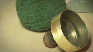Как почистить самовар(http://nemolotok.ru/ Сегодня мы вам покажем, как почистить старый самовар от зелени, от черноты. Самовар сделан из..., 2015-10-02T12:11:42.000Z)