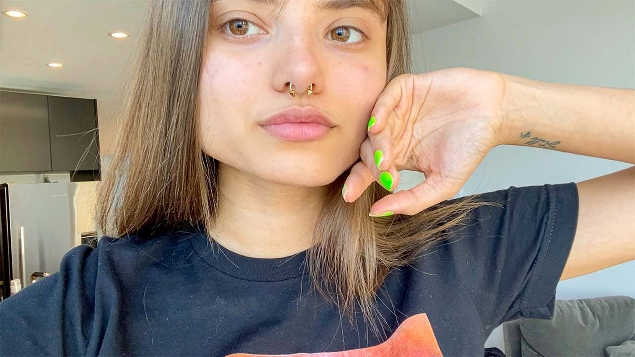 Changing My Septum Piercing For The First Time Youtube