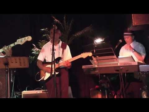 Mutiara (band) - Kumpulan, partycentrum