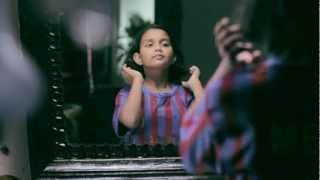 Shubha Mudgal  and Prasoon Joshi latest  song - Mujhe Pankh  de do.mp4