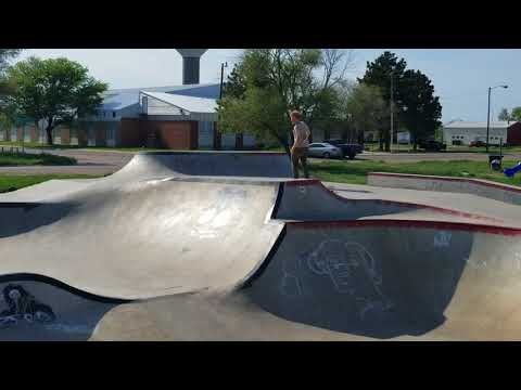 THE ART OF RAM - SKATEPARK REVIEW - FORT THOMPSON SOUTH DAKOTA EVERGREEN SKATEPARK WITH THE 3RD LAIR