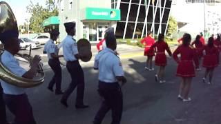 Desfile Patriótico por las calles cercanas del Colegio Arroyo Hondo Parte 1