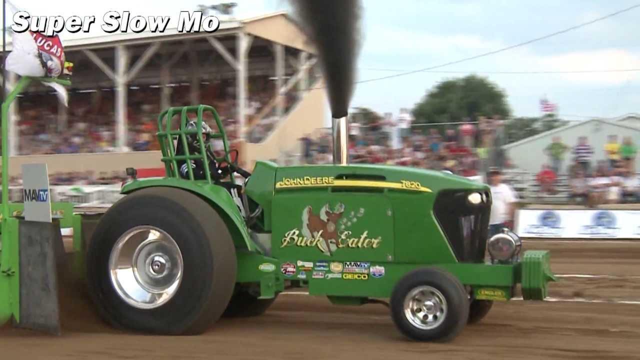 Buck tractor pulls