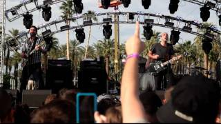 Sunny Day Real Estate - In Circles @ Coachella 2010