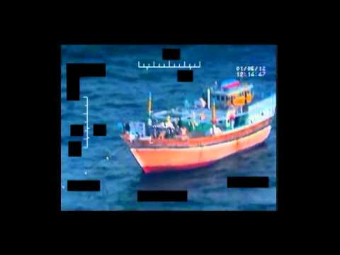 USS Kidd (DDG 100) VBSS team approaches Iranian-flagged fishing dhow Al Molai