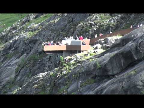 Andalsnes Berglandschaft am Trollstigen Nordlandfahrt-Kreuzfahrt (11) ReiseWorld Costa Deliziosa