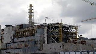 Чернобыль: на Саркофаг надвинут Арку(Эта киносъёмка была сделана в Чернобыле 12 мая 1986 года, через 16 дней после произошедшей здесь аварии на атомн..., 2016-04-25T18:39:50.000Z)