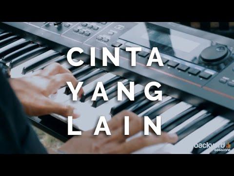 Cinta Yang Lain - Kevilen (Ungu Ft. Chrisye Cover) // EXI Backyard Sessions
