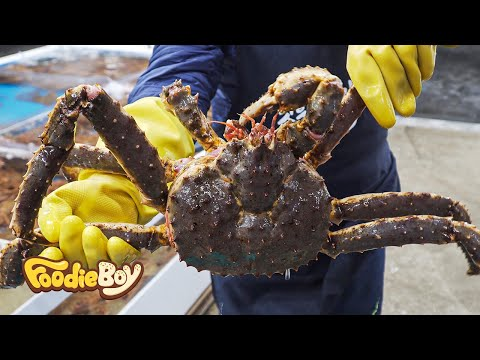 Steamed King Crab with Side Dishes / Korean Street Food / Jukdo Fish Market, Pohang Korea