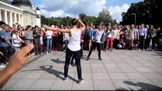 Bride dancing in Vilnius