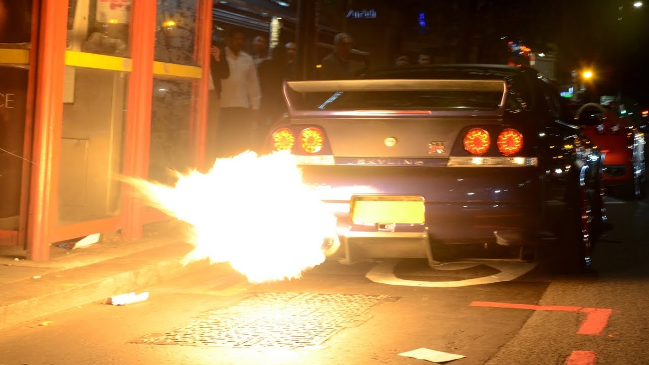 Flaming Nissan Skyline Gtr In Central London Youtube