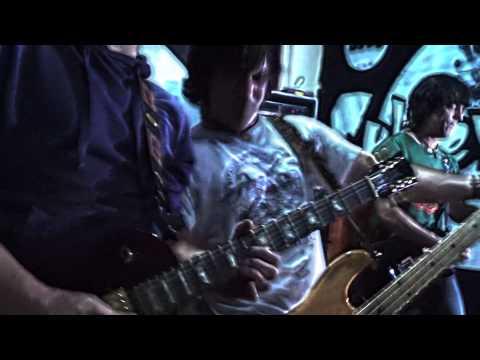 """SUBLEVADOS: """"Triste canción de amor"""" (versión de El Tri Videoclip Oficial)"""