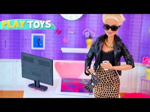 Barbie Doll Fashionista Designer Dress maker! Barbie Girl DIY dress collection from play doh