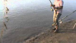 River fishing pakistan khan family 2010 part 3