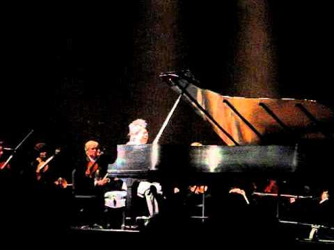 Lang Lang Dedicates Tucson Encore to Shooting Victims - Rachmaninoff Prelude in D major 1/10/11