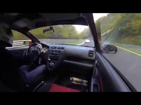 Honda Civic Type R vs. Porsche Carerra 4S - Nordschleife - some traffic