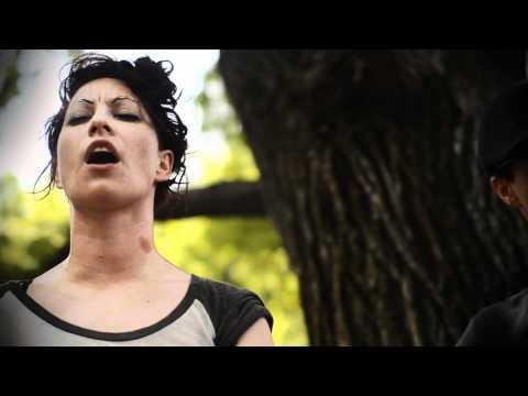 Amanda Palmer / The Dresden Dolls - Bad Habit [LIVE]