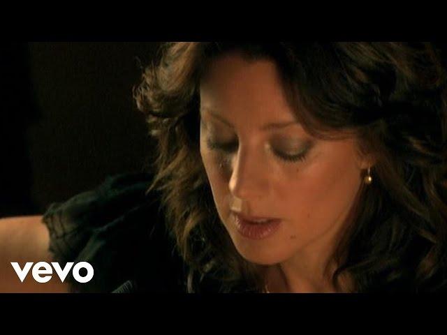 Sarah McLachlan - O Little Town Of Bethlehem (VIDEO)