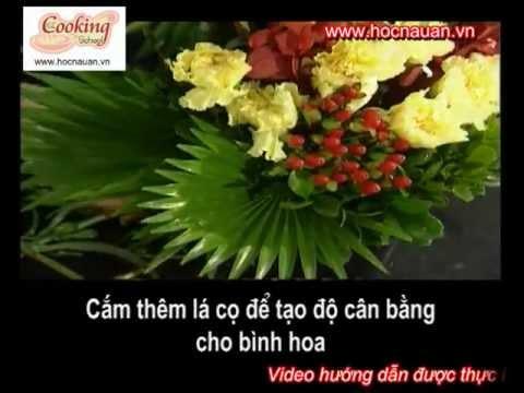 Hướng dẫn cắm hoa dáng cao trang trí nhà bếp