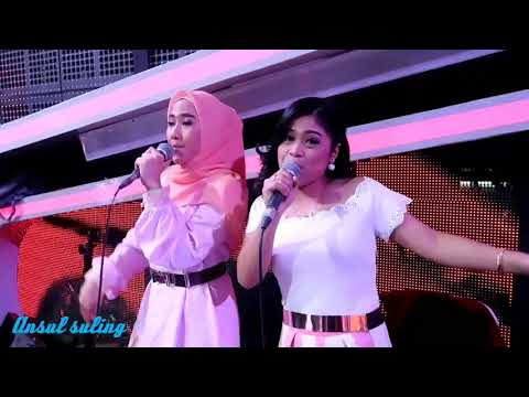 IN ACTION.DUA BACKING VOCAL D'BAND ITJE DAN RESI.YOUTUBE GO..!!