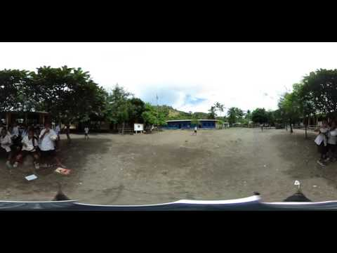 360 Video: Lunch time at a school in Timor-Leste