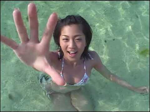 安田美沙子 4種類の水着姿