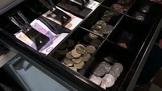 """""""Det känns inte rätt – mynten samlas på hög"""" - Nyheterna (TV4)"""
