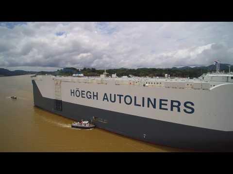 Höegh Autoliners Target transiting Panama Canal