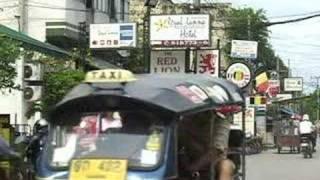 チェンマイの街角マクドナルド前Before the Chiangmai street corner MacDonald