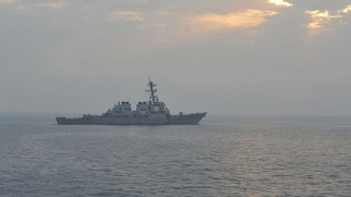 Эсминец ВМС США с крылатыми ракетами на борту вошел в Черное море