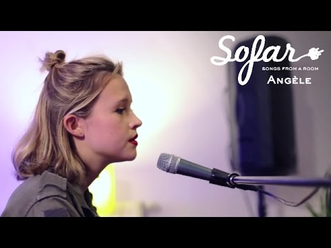 Angèle - Bruxelles (Dick Annegarn Cover) | Sofar Brussels