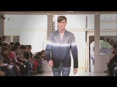 ed8a85589d6d4  لويس فيتون يبدع كعادته في أسبوع الموضة الرجالي بباريس - le mag - YouTube