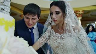 Разрезание торта. Элитная свадьба. Большой торт.
