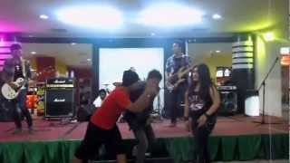 Djuragan Rock - Bunda (Melly Goeslow Cover)