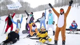 """видео: Костюмированныи спуск на горнолыжном фестивале """"Южная Сибирь"""""""