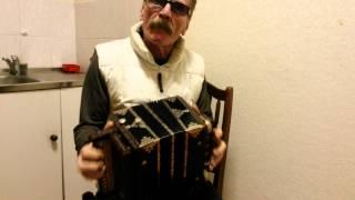 Саратовская гармонь(Исправный концертный инструмент старых мастеров., 2015-03-13T10:54:44.000Z)