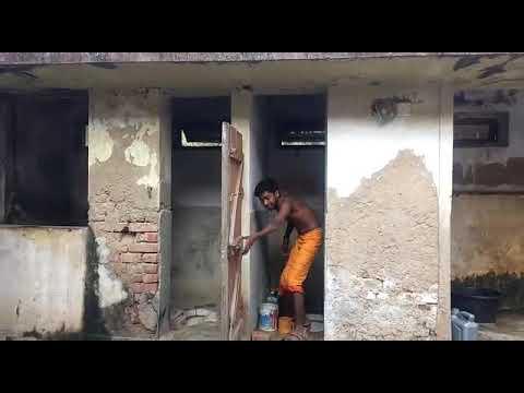 देखिए यह है हमारे इंडिया के टॉयलेट की हालत इसीलिए तो हम कहते हैं कि मेरा भारत महान