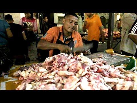 يأكلون اللحوم الفاسدة في فنزويلا  - نشر قبل 21 دقيقة