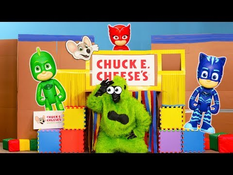 PJ Masks Play Hide N see with the Gorillas in the Ultimate Box Fort Village