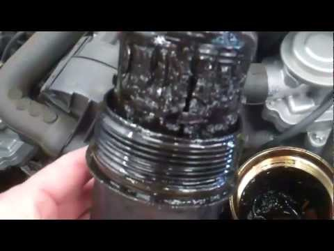 Mercedes e320 bluetec om642 oil change doovi for Mercedes benz e350 oil change