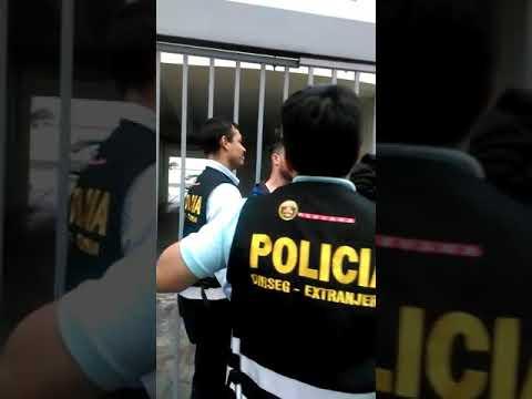 Policía de extranjería deportan a Eyal