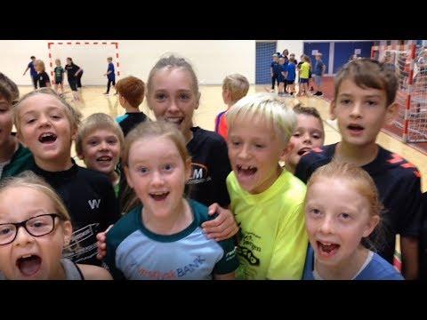 Totalhåndbold i Viborg: Bolden er kastet op til 1100 glade skoleelever