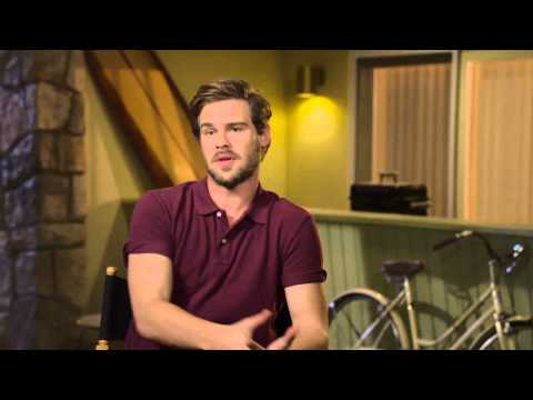 Aquarius TV Series: Grey Damon Behind the s