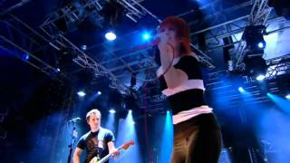 [HD] Paramore - Looking Up (R1BW 2010)